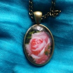 Cabochon Pendant, Pink Rose