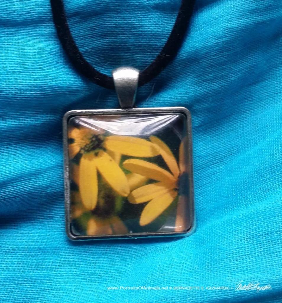 Cabochon Pendant, Three Sunflowers