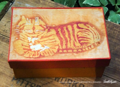 Ginger Cheshire Kitty Batik Keepsake