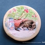 "Stanley With Geraniums 2"" Round Magnet"